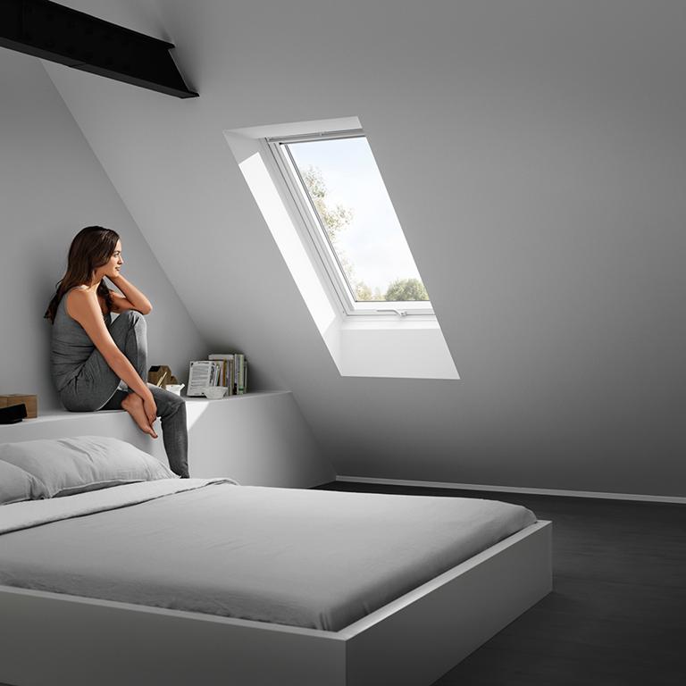solutions velux pour le remplacement de fen tres de toit. Black Bedroom Furniture Sets. Home Design Ideas
