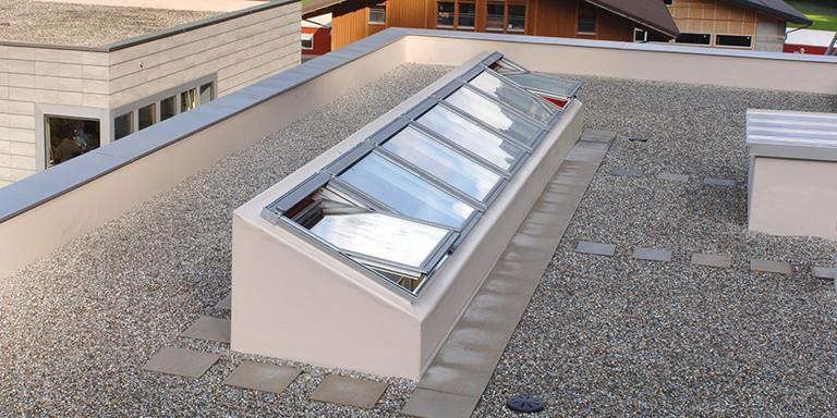 Finestre per tetti piani velux economiche e ad for Finestre velux per tetti