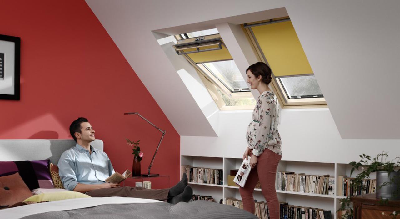 ideen f r das schlafzimmer mit velux dachfenstern. Black Bedroom Furniture Sets. Home Design Ideas
