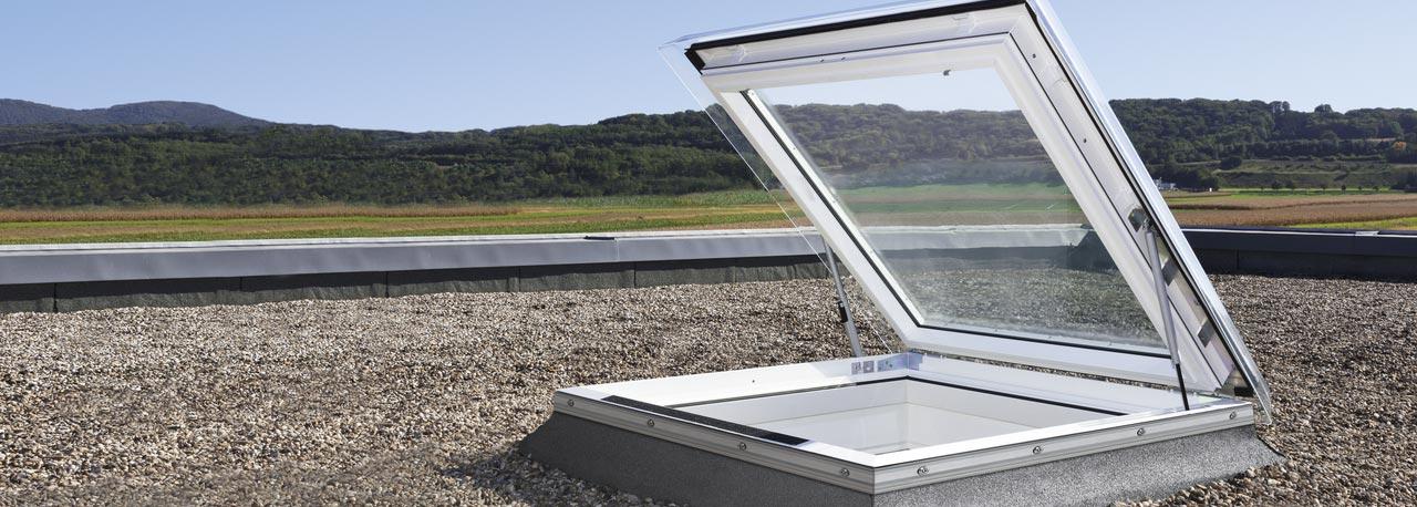 Finestre per tetti piani velux economiche e ad for Piani di artigiano contemporanei