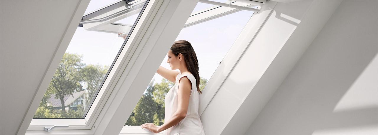 Prodotti velux finestre per tetti e tetti piani tende for Finestre di artigiano